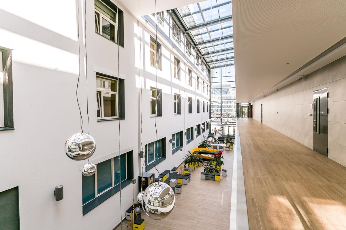 Institute of Logistics and Warehousing Poznań - eld architects - interior design patio